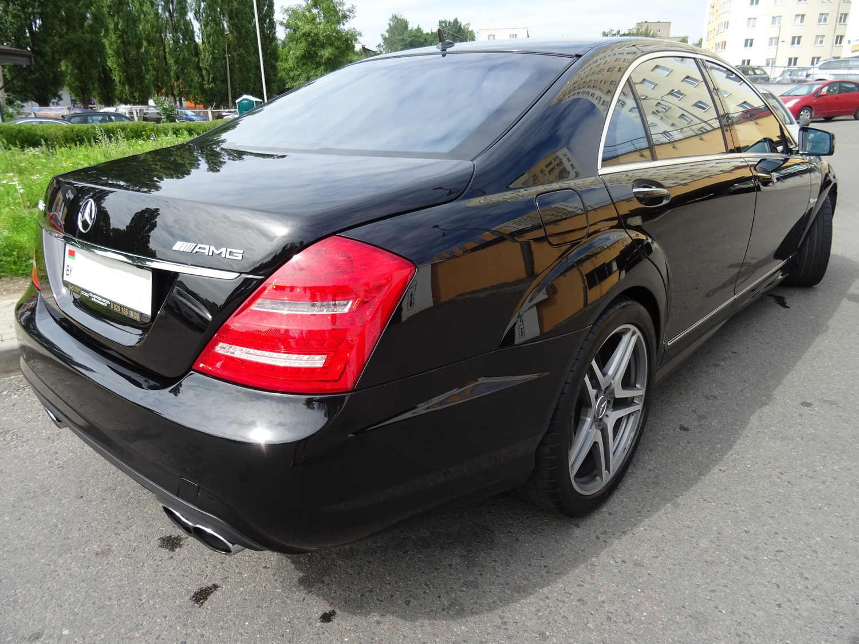 Mercedes-Benz W221 AMG63